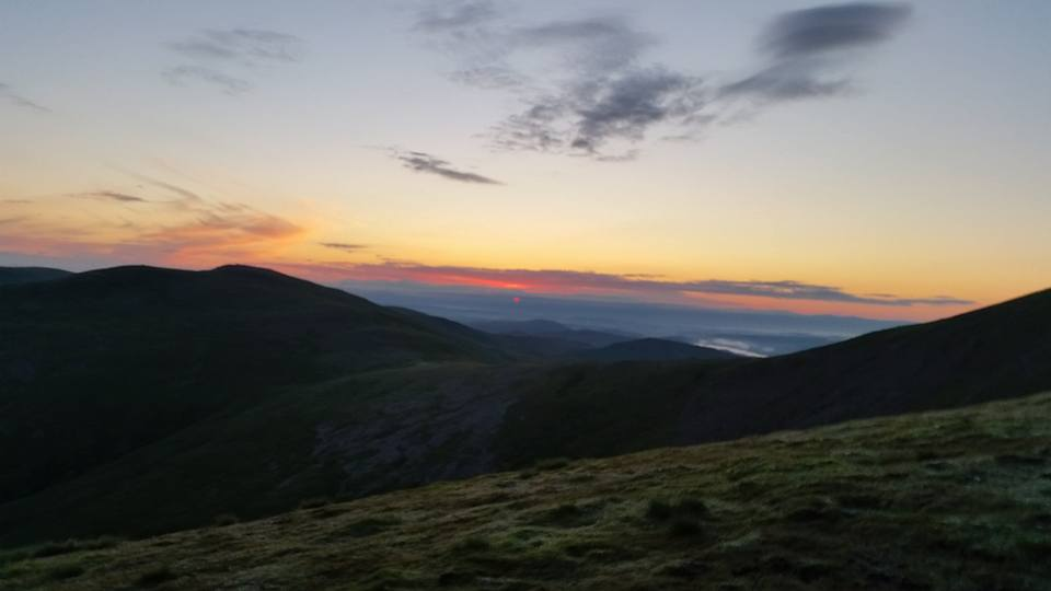 sunrise-over-hellvellyn-clifbar-10peaks