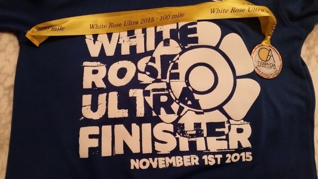 White Rose Ultra 100 Finisher t-shirt and medal